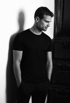 Theo James, Insurgent Movie, Divergent Fandom, Good Looking Actors, Alain Delon, British Men, Tumblr Boys, Fact Quotes, Fine Men
