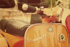 I love Vespa Vespa Gt, Lambretta Scooter, Vespa Scooters, Orange Fashion, Go Camping, Old Cars, Dream Cars, Retro Fashion, My Love