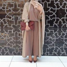 Pinterest: eighthhorcruxx. earthy tones Abaya hijab fashion- Abaya hijab fashion from Dubai http://www.justtrendygirls.com/abaya-hijab-fashion-from-dubai/