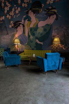 araknesharem:  Urban cafe by https://www.facebook.com/NorthNorway on Flickr.