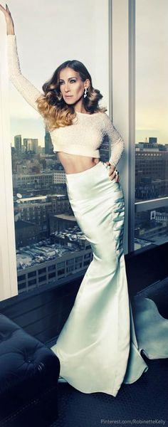 Me encanta este outfit, pero sin los adornos laterales de la falda