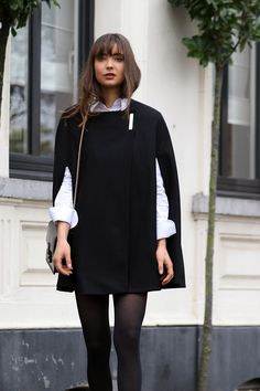 THE PERFECT BLACK CAPE, THANKS TO TED BAKER | Mode d'amour