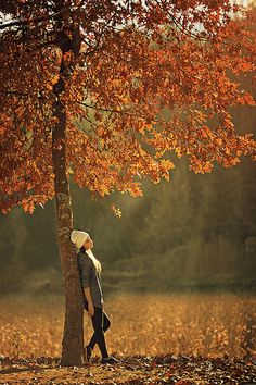 15 Fall Photoshoot Ideas To Get Some Serious Inspo Pictures Autumn Photography, Girl Photography Poses, Creative Photography, Image Photography, Travel Photography, Poses Photo, Picture Poses, Photo Shoots, Fall Pictures