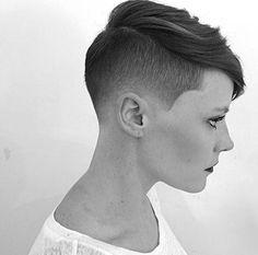 Du+magst+trendy+Kurzhaarschnitte+und+möchtest+gleichzeitig+eine+auffallende+Frisur?+Lass+Dich+von+diesen+10+originellen,+lässigen+Frisuren+inspirieren+…