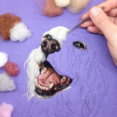 Fibre artist Dani Ives describes her use of needle felting as 'painting with wool' (via Colossal) Fiber artist Dani Ives conjures the natural world in her unique take on the traditional craft of needle felting. Ives describes her method as Needle Felted Animals, Felt Animals, Felt Pictures, Needle Felting Tutorials, Felt Dogs, Wet Felting, Felt Art, Embroidery Techniques, Animal Design