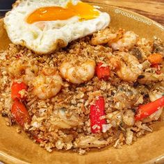 🍴Rice Roasted Chili with Minced Shrimp and Baby Clam ข้าวคั่วพริกขี้หนูสวนกุ้งสับหอยลาย 💰100 Baht. 📌Bannmohdin, at G Floor Fortune Town 🕙Open Daily 11.00-20.00 🚅MRT Pharam 9 Station 📷Share your food ▶ #foodanddining