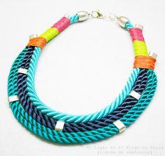 Collar corto con pasamaneria Si quieres saber que materiales utilicé entra en nuestro blog: http://unlugarenelmundobypaula.blogspot.com/  www.unlugarenelmundobypaula.com