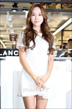Jessica Jung met fans through Blanc & Eclare's Signing Event