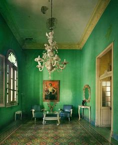 Historical architecture in Cuba photo's by Michael Eastman. Cuba's architecture is Spanish Colonial , steps back in time as nothing has been altered since the. Interior And Exterior, Interior Design, Interior Door, Décor Antique, Green Rooms, Green Walls, Teal Walls, Paris Apartments, Decoration