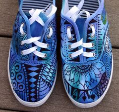 Zentangle zapatillas, zapatos, zapatillas, zentangle arte, arte original, OOAK, zapatillas personalizados, zapatos pintados a mano
