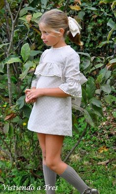 Inspiration for traditional classic girls clothing! Cute Little Baby Girl, Cute Little Girl Dresses, Cute Young Girl, Beautiful Little Girls, Cute Girl Outfits, Kids Outfits Girls, Cute Girls, Girls Dresses, Young Girl Fashion