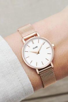 De CLUSE La Bohème Petite is perfect als je graag een kleiner, ingetogen uurwerk wil (28 mm kast).   #cluse #clusewatch #clusehorloge #dameshorloge #horlogedames #juwelierbosmans #aalst #fashion #uurwerk #dames #accessoires #juwelen #elegant #minimalistisch #stijlvol #eenvoud #minimalisme #glamour #verfijning #focus #balans #blikvanger #look #uitstraling #horlogeband #afneembaar #verwisselbaar #kwaliteit #28mm Mesh, Rose Gold, Outfit, Accessories, Clock, Outfits, Kleding, Clothes, Fishnet