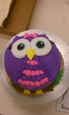 Purple and pink Owl cake. Too sweet! It looks like this is a round cake that was… Owl Cake Birthday, Owl Birthday Parties, Birthday Ideas, Owl Cupcakes, Cupcake Cakes, Fruit Cakes, Pretty Cakes, Cute Cakes, Ladybug Cakes