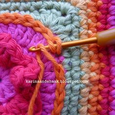 Just need this for the visual! Could never figure out how to end slip stitches and make it look seamless. ✿⊱╮Teresa Restegui http://www.pinterest.com/teretegui/✿⊱╮