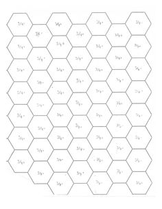On this page you'll find tutorials, instruction books and links related to my previous posts about English paper piecing, hexagons and diam. Hexagon Patchwork, Hexagon Pattern, Hexagon Quilt, Patchwork Ideas, Foundation Paper Piecing, English Paper Piecing, Mini Quilts, Quilting Projects, Paper Crafts