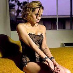 186 отметок «Нравится», 4 комментариев — Angelina Jolie (@wild.jolie) в Instagram: «#angelinajolie»
