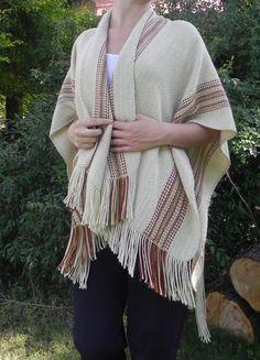Biguá | Diseña Santa Fe Loom Weaving, Tapestry Weaving, Swedish Weaving, Yarn Projects, Fiber Art, Scarves, Textiles, Sewing, Knitting
