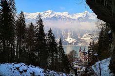 #blickheimat #visitswitzerland #view #switzerlandpictures #switzerland_vacations #amazingswitzerland #landscape #thebestofswitzerland #loves_switzerland #topswitzerlandphoto #canon #vacation #mountains #beautifulnature #bluesky #feelthealps #forest #hiking4fun #heimat #snow #inlovewithswitzerland🇨🇭 #giessbach #fog #brienzersee