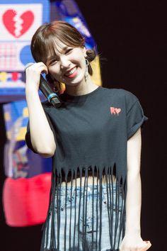 """""""most beautiful smile 💙"""" Wendy Red Velvet, Black Velvet, Kpop Girl Groups, Kpop Girls, Kim Yerim, Seulgi, Beautiful Smile, South Korean Girls, Girl Photos"""