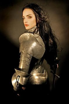 """deepredroom: """"A reminder that """"male"""" armour usually works just as well with female bodies."""" Do click and read further..."""