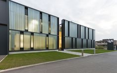 it:Sede Glas Italia. Data Architecture, Factory Architecture, Industrial Architecture, Commercial Architecture, Building Skin, Building Facade, Building Design, Corporate Interiors, Glass Facades
