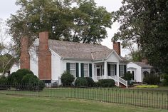 Visit Muscle Shoals and Ivy Green~ Helen Keller's Birthplace & Childhood Home. Oh The Places You'll Go, Great Places, Places Ive Been, Beautiful Places, Helen Keller, World Crafts, Sweet Home Alabama, Old Farm, Historic Homes