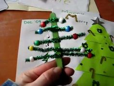 Arts and Crafts: Trees from Popsicle sticks, pipe cleaners, beads, clay, and more. Ideas for early learning during Christmas. Popsicle Stick Crafts, Popsicle Sticks, Craft Stick Crafts, Stick Christmas Tree, Christmas Tree Ornaments, Christmas Cards, Christmas Arts And Crafts, Holiday Crafts, Holiday Ideas