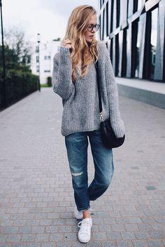 fall / winter - street style - street chic style - fall outfits - winter outfits - casual outfits - comfy outfits - oversized grey sweater + boyfriend jeans + white sneakers + black shoulder bag