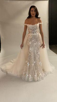 Fancy Wedding Dresses, Wedding Dress Trends, Wedding Bridesmaid Dresses, Bridal Dresses, Mermaid Dress Wedding, Wedding Dress Beach, Cute Wedding Ideas, Wedding Goals, Engagement Dresses