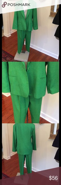 Joan Leslie green vintage Beautiful green pants suit that is vintage size 14 petite. Inseam is 26 1/2 on pant. pants have pockets a portion of elastic on each side joan Leslie Pants