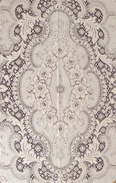 Beautiful Lace Tablecloth/Made in the USA,Quaker by cherylspicketfence on Etsy