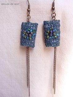 boucle d'oreille en tissu bleu brodée de perles et fil argenté : Boucles d'oreille par bellesdenuitcreationstextiles