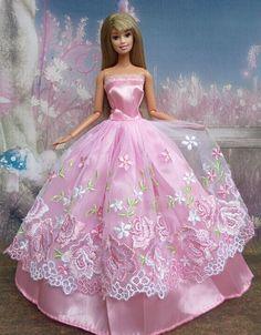 Roze-kant-avondjurk-kawaii-meisje-droom-kleding-voor-barbie-beste-verjaardagscadeau-ssd-q-30-kerst-cadeau.jpg (560×717)