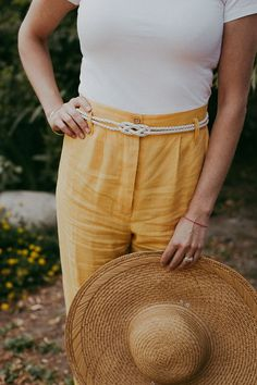 Want to add a few summer accessories to your wardrobe but on a budget? Consider thrifting one.
