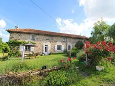 House for sale in ST MAURICE DES LIONS - Charente - Peacefully located farmhouse with barns and 5.7 hectares France REF: 90215TSM16 | [12857] Property Prices, Property For Sale, Houses For Sale France, Electric Range Cookers, Concrete Yard, Corner Bath, Stone Barns, French Property, Septic Tank