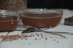 Chocoladepudding van echte chocolade. Met 5 ingrediënten maak je chocoladepudding om je vingers bij af te likken. Deze pudding kan bijna niet mislukken.