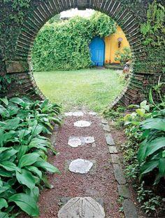 Moon gate, brief garden