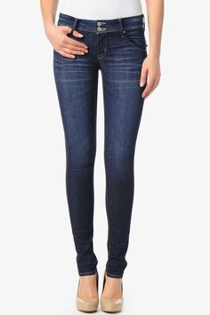 Our Collin Signature Skinny is slim-fitting denim at its effortless best. It is fitted from the waist to ankle with a regular rise and signature button-flap back pockets. The Stella wash is dark blue denim with whisker details and light fading through the thigh and bum.