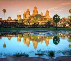 The famous Asian architecture of Angkor Wat, Cambodia attracts worldwide tourists. Don't miss out to explore this iconic UNESCO World Heritage Site & its eye-catching factors. Vietnam Tours, Vietnam Travel, Siem Reap, Angkor Wat Cambodia, Asian Architecture, Adventure Tours, Day Tours, Historical Sites, World Heritage Sites