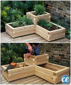des bacs en bois pour planter des fleurs