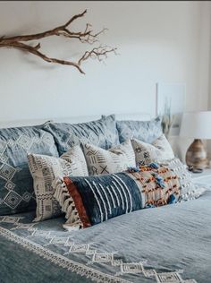 Bohemian Bedroom Decor Ideas - Find out the best ways to grasp bohemian room decoration with these bohemia-style rooms, from eclectic rooms to loosened up living rooms. Cozy Bedroom, Home Decor Bedroom, Bedroom Ideas, Bedroom Small, Aztec Bedroom, Tribal Bedding, Boho Bedding, Scandinavian Bedroom, Stylish Bedroom