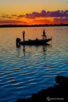 Sunset Portraits, Lifestyle Portrait, Rush Lake, Rush City Minnesota, Fishing Po… - Lake Fishing Tips Ideas 2020 Bass Fishing Boats, Bass Fishing Tips, Bass Boat, Gone Fishing, Carp Fishing, Best Fishing, Saltwater Fishing, Kayak Fishing, Fishing Games