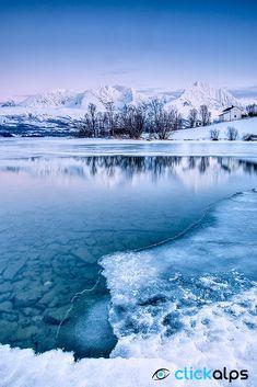 Lyngen Alps, Norway by SysaWorld Roberto Moiola** ….Stay cheap and comfortable… Tromso, Lofoten, Beautiful Norway, Scandinavian Countries, Norway Travel, Voyage Europe, Arctic Circle, Winter Scenes, Mykonos
