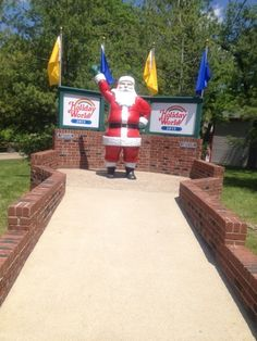 Holiday World & Splashin Safari in Santa Claus, Indiana - Kid-friendly Attractions Indianapolis Childrens Museum, Indianapolis Indiana, Indiana Beach, Old Fashioned Cars, The Hallow, Holiday World, Cedar Point, Amusement Parks, Greatest Adventure