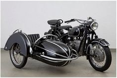 This sidecar is one of my favorites, in Monza Blue would be sweet.