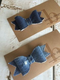 Denim Hair Bow on Alligator Clip by letterbdesigns on Etsy…Hair Accessories Bow Etsy Ideas For Pin was discovered by ChiBest Ideas about Denim CraftsStrapless Dress Crochet Free G Making Hair Bows, Diy Hair Bows, Diy Bow, Diy Ribbon, Ribbon Flower, Ribbon Hair, Artisanats Denim, Denim Hair, Sewing Headbands