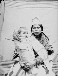 Kupt with baby - Cayuse - 1900
