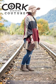 Cork wallet; Choose sustainable fashion! Vegan, fair trade, renewable, Eco handbags and accessories. www.corkcouture.ca