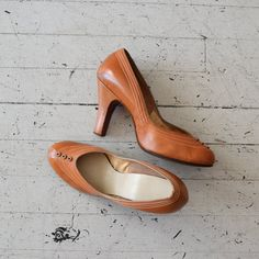 vintage 1950s shoes / leather 50s heels / Bouton by DearGolden, $124.00