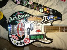 28 Unbelievable Bass Guitar Under 20 Bass Guitar Volume And Tone Pot Music Guitar, Cool Guitar, Playing Guitar, Ukulele, Guitar Notes, Zona Musical, Guitar Stickers, Bass Guitar Lessons, Instruments